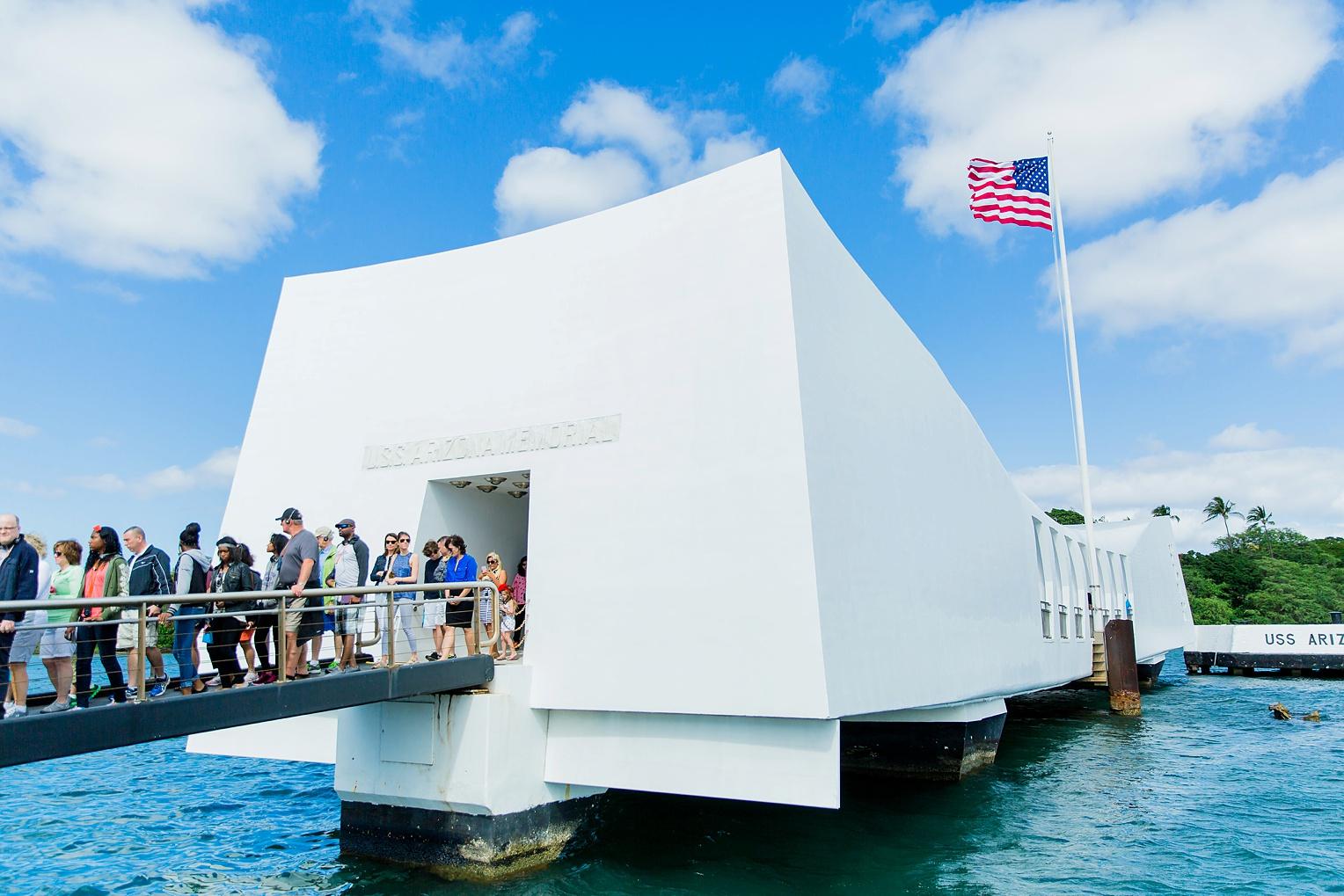 Megan Kelsey Photography Hawaii Oahu Byodo Temple Diamondhead Hike Waikiki Pearl Harbor-0897.jpg