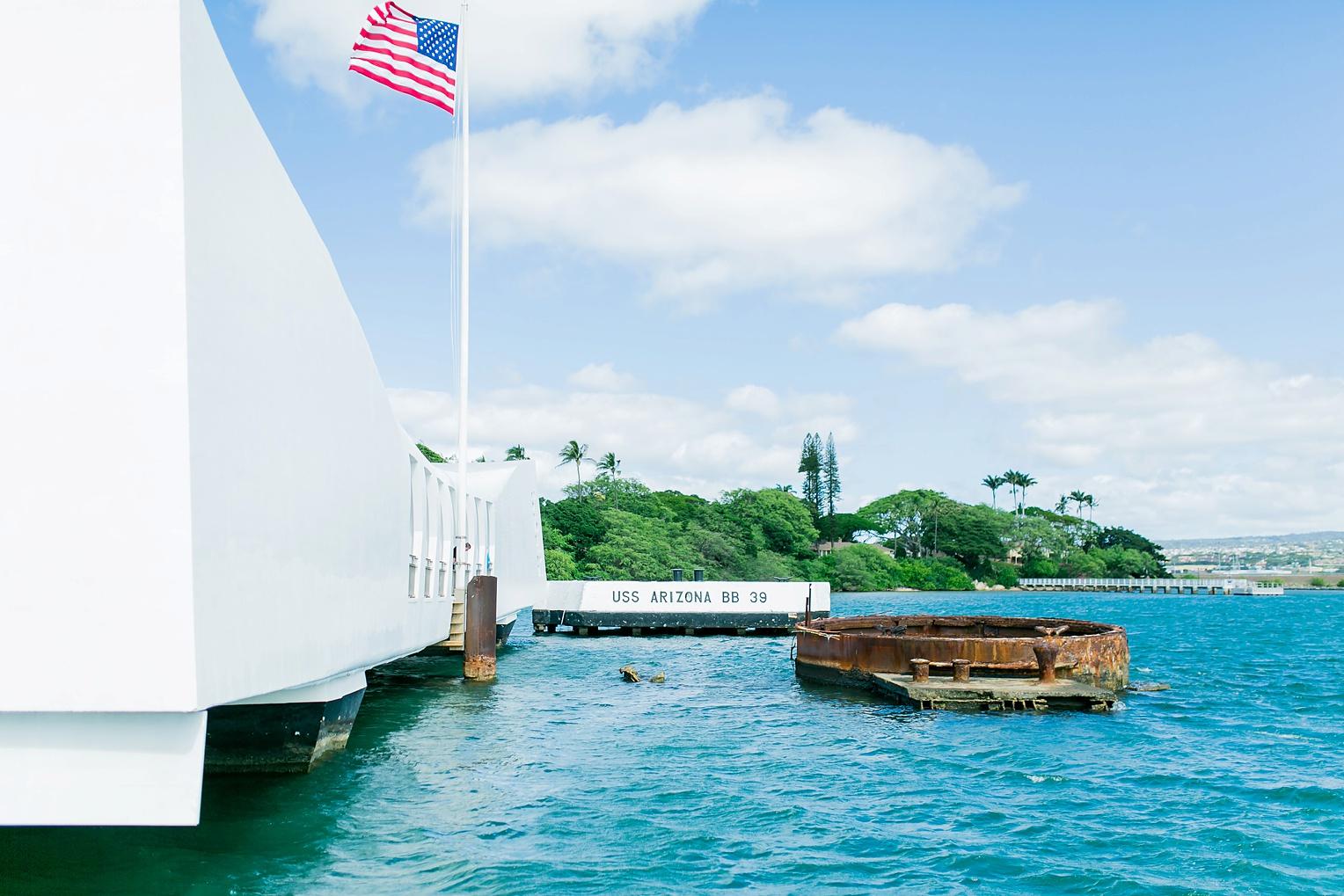 Megan Kelsey Photography Hawaii Oahu Byodo Temple Diamondhead Hike Waikiki Pearl Harbor-1595.jpg