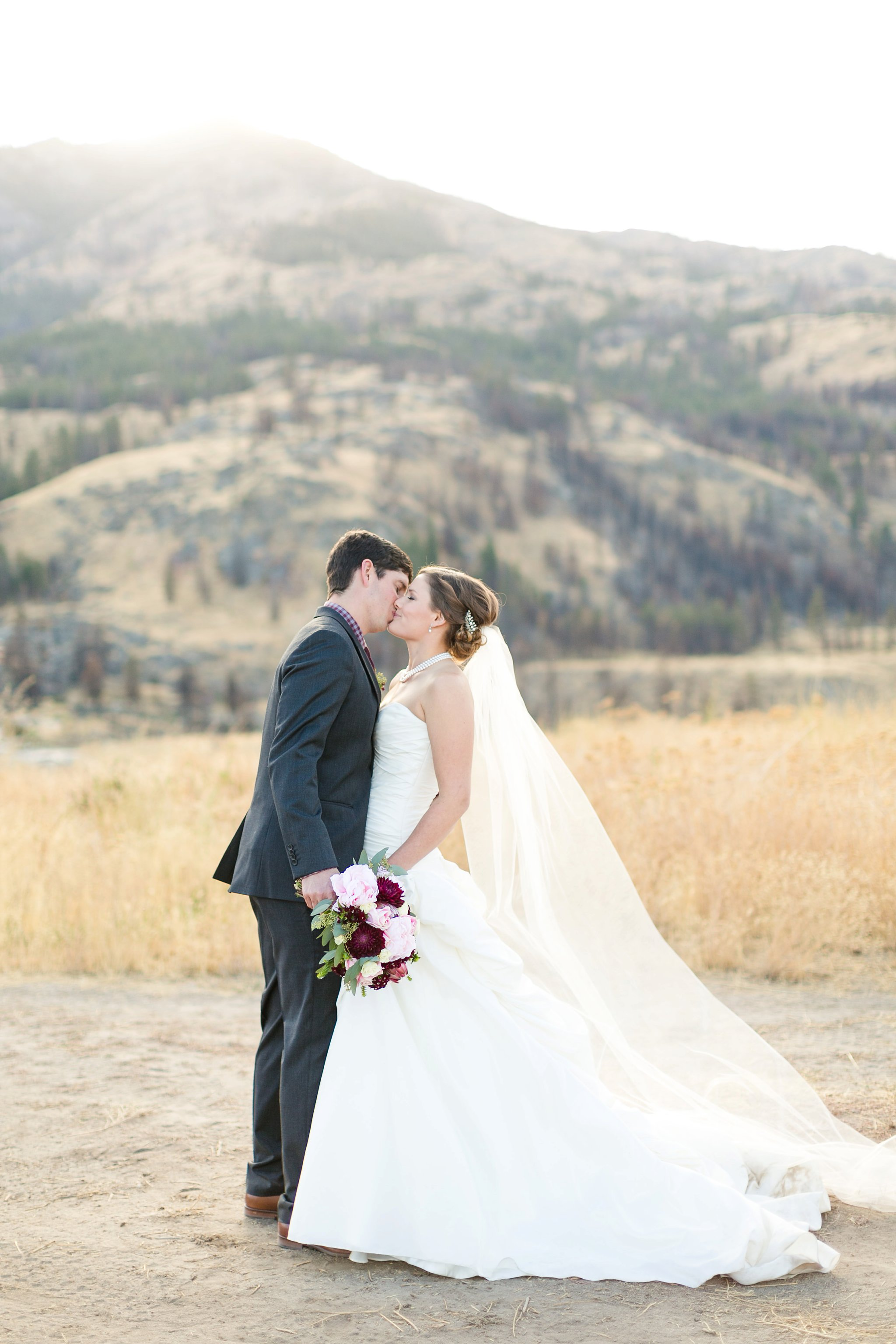 Chelan Washington Wedding Photos Megan Kelsey Photography Delight Wedding Workshop Styled Shoot Annalee & Scot-136.jpg