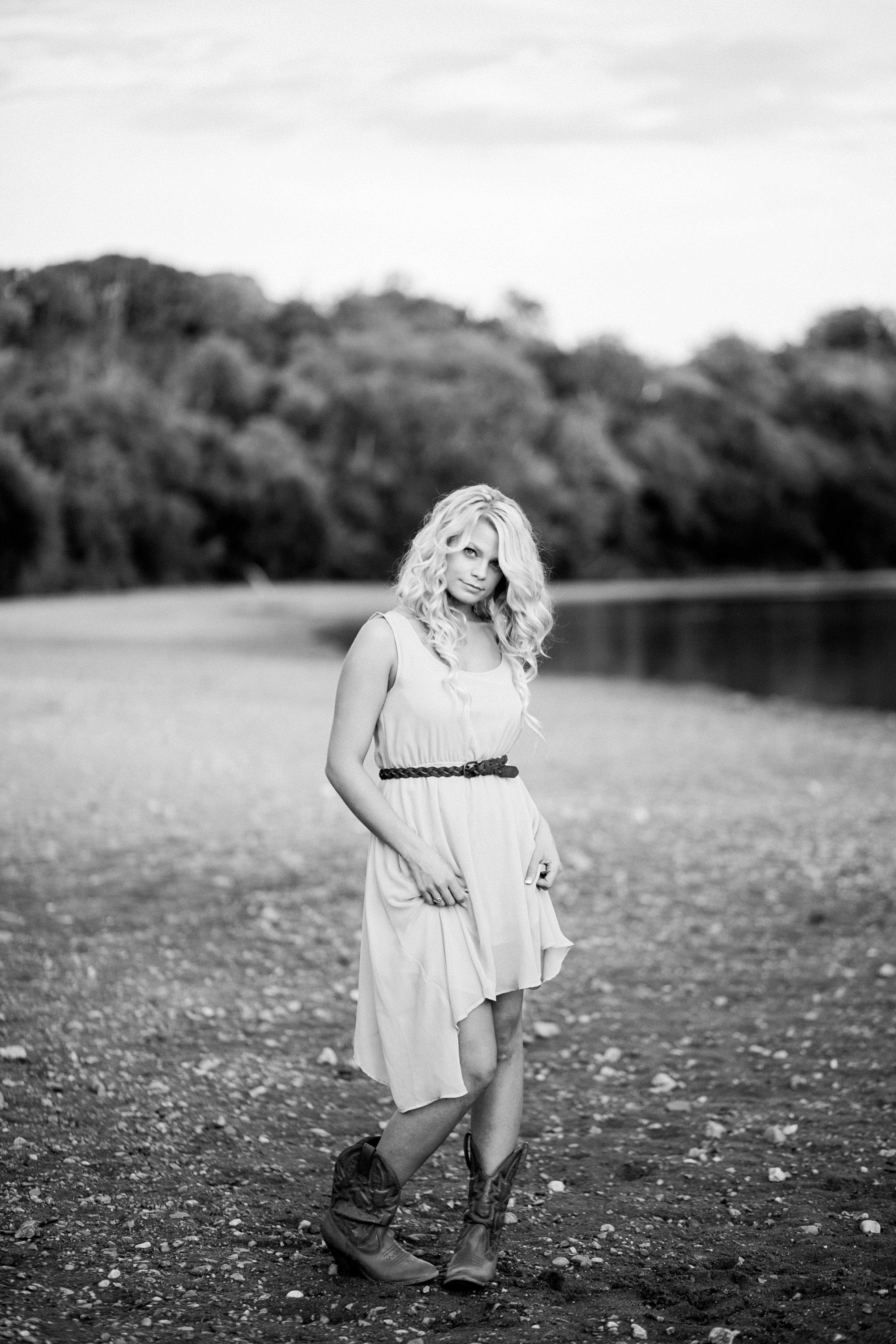 Fredericksburg Senior Photographer Mary Washington Megan Kelsey Photography-71.jpg