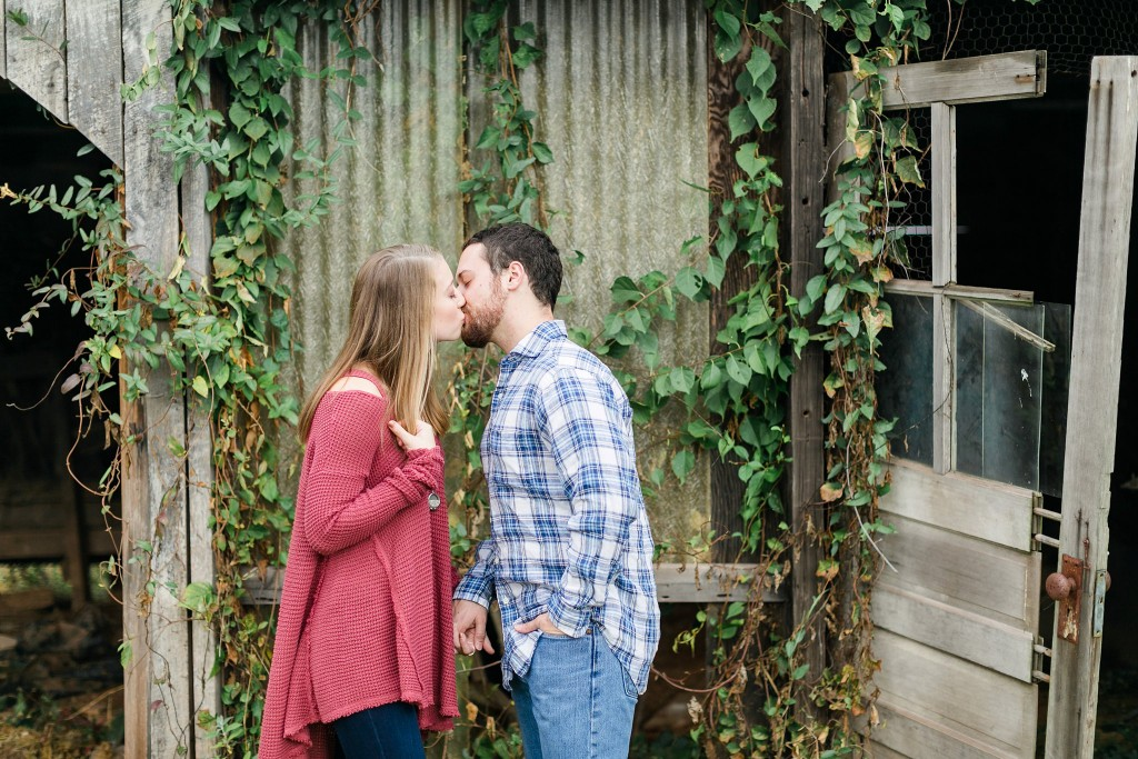 Leesburg Photographer 48 Fields Farm Rustic Fall Shoot Adam & Danielle Megan Kelsey Photography-1257