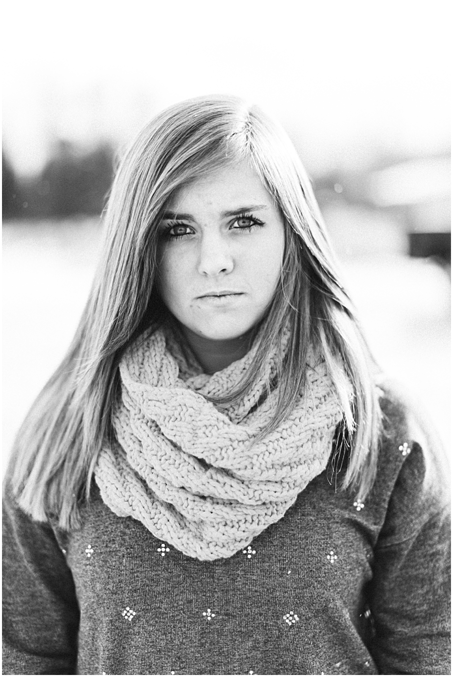 Canon Virginia Photographer Lifestyle Portraits High School Friends Session Woodbridge Bristol Indiana Snow Winter Country