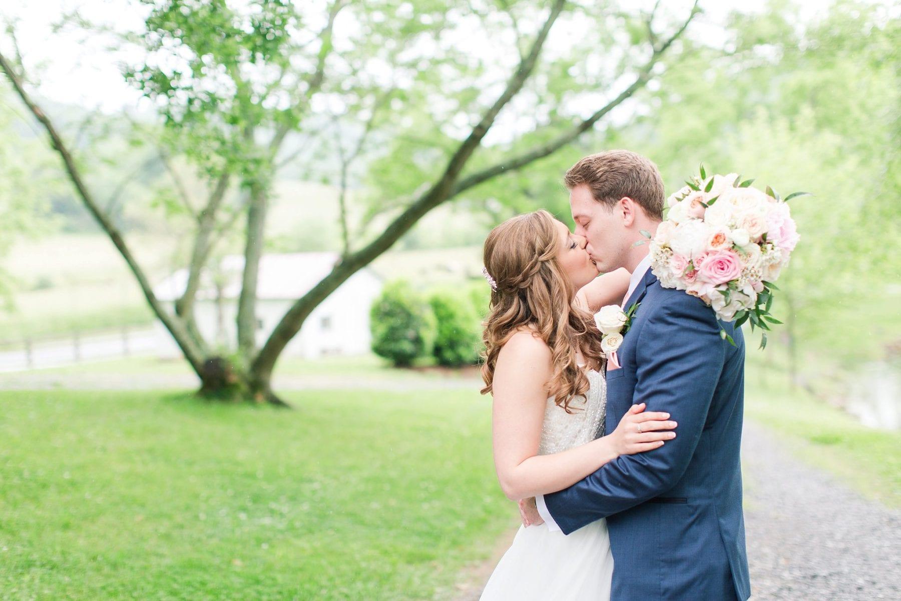 Justin & Megan Big Spring Farm Wedding Photos-124.jpg